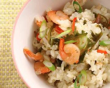 蝦子拌飯——帶著孩子一起上市場挑選食材是一件很有意義的事