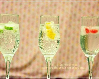 美艷消暑,用水果乾杯~清透的「水果冰塊」!