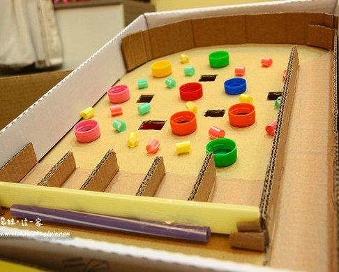 幼儿园纸箱子手工小船