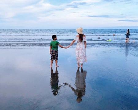 退潮限時天空之鏡,玩水、衝浪小秘境~台東都歷海灘